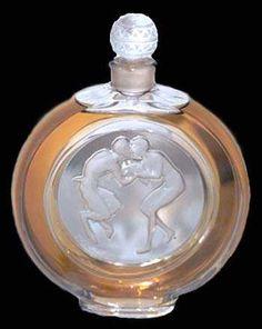 Art of Rene Lalique French Designer Perfume Bottles ラリック 香水瓶 Vase Lalique, Lalique Perfume Bottle, Lalique Jewelry, Antique Perfume Bottles, Art Nouveau, Art Deco, Perfumes Vintage, Bottle Art, Antique Glass