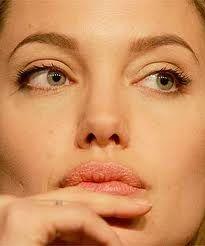 Straight (or Grecian)--characterized by narrow nostrils and a pointed tip. Angela Jolie and Orlando Bloom popped up in the straight nose search. Straight Nose, Nose Shapes, Orlando Bloom, Genetics, Humor, Pop, Face, Personality, Draw