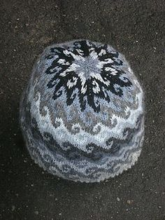 Free knitting pattern for breaking waves beanie hat - suitable for any gauge of yarn