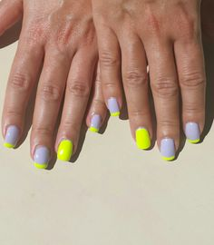Summer delight! Pastel lilac and neon yellow nails ♡
