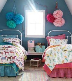 Azul para os meninos e rosa para as meninas. A solução parece simples mas não é. Saiba um pouco mais sobre o conceito por tras dessas duas cores antes de decidir a decoração do quarto de seus filhos. Veja o post: http://goo.gl/mMr7kU