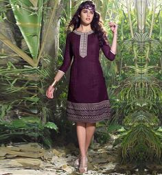 PRETTY MAGENTA LINEN DESIGNER KURTI WITH CENTER ACCENTUATED LOOK VDHNG113 – Stylish Bazaar