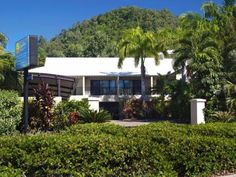 Cairns Comfort Inn Trinity Beach Club Australia, Pacific Ocean and Australia Comfort Inn Trinity Beach Club is perfectly located for both business and leisure guests in Cairns. The hotel offers guests a range of services and amenities designed to provide comfort and convenience. Take advantage of the hotel's express check-in/check-out, luggage storage, Wi-Fi in public areas, car park, airport transfer. Designed for comfort, selected guestrooms offer television LCD/plasma scree...