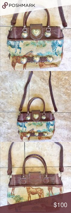 "Texas Leather unique horse scene printed purse Absolutely stunning genuine leather bag by Texas Leather. Excellent condition, beautiful horse print, and lots of pockets. 7"" handle shoulder drop, 23"" crossbody strap shoulder drop, 10"" L 14"" W Texas Leather Manufacturing Bags Crossbody Bags"