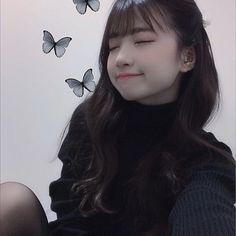 Stylish Girl Images, Kawaii Girl, Girls Image, Ulzzang Girl, Japanese Girl, Asian Fashion, Beautiful World, Asian Woman, Curly Hair Styles