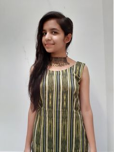 How to style a kurta/kurti? Stylish Girls Photos, Stylish Girl Pic, Beautiful Girl Indian, Beautiful Girl Image, Diwali Outfits, Black Lehenga, Little Girl Models, Desi Girl Image, Dehati Girl Photo