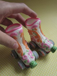 Roller Boots Cake Topper by mimicafe Union http://mimicafeunion.blogspot.com