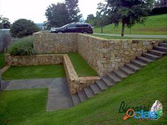 Steps along side retaining walls Steep Gardens, Back Gardens, Outdoor Gardens, Backyard Retaining Walls, Sloped Backyard, Landscape Designs, Landscape Architecture, Stone Wall Design, Hillside Landscaping