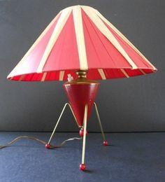 VINTAGE RETRO 50s ROCKET SPACE AGE BARSONY ERA TABLE LAMP & PLASTIC RIBBON SHADE
