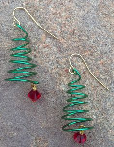 wire wrapped christmas tree earrings www.etsy.com/shop/scissorsandpearls