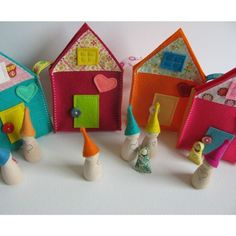 Natural waldorf toy - Sweet little travelling family house - Sunny Yellow -
