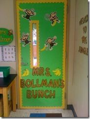 :) want my classroom to look like this...lots of jungle themed classroom ideas!