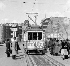 Straßenbahn und Ruinen am Leipziger Platz in Berlin, 1954 Juergen/Timeline Images #1950er #Berlin #Ostberlin #DDR  #GDR #Ostdeutschland #EastGermany #Bahn #Zug #Schienen #Nahverkehr #Alltag