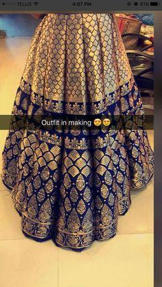 Jamavaar is in! Pakistani Wedding Dresses, Indian Wedding Outfits, Pakistani Outfits, Indian Dresses, Indian Outfits, Indian Weddings, Indian Attire, Indian Ethnic Wear, Ethnic Fashion