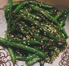Bring a large pot of water to a boil. Add green beans.Blanch green beans for 3-4 minutes.Immediately transfer to an large bowl of ice water to stop the cooking process.
