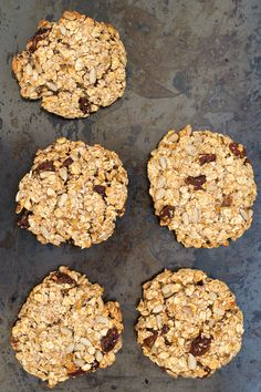 Healthy Instant Oatmeal CookiesWait, what? Cookies can be healthy? These Instant Oatmeal Cookie Healthy Snacks For Diabetics, Healthy Meals For Two, Healthy Fruits, Healthy Sugar, Healthy Desserts, Eating Healthy, Healthy Recipe Videos, Healthy Chicken Recipes, Easy Healthy Recipes
