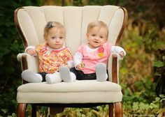 {Ella and Emilee – 1 year old twins} | Andover MN children's photographer #twins. Minnesota twins photographer, outdoor twin toddler portraits, Minneapolis portrait studio