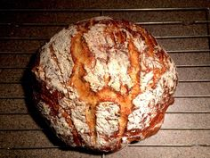 Recipe for light and airy Dutch Oven bread with a golden brown crispy crust. Amazing taste, small amount of ingredients and easy prep! Chocolate Chip Banana Bread, Chocolate Chip Recipes, Banana Bread Recipes, Rosemary Bread Machine Recipe, Bread Machine Recipes, Brown Bread Recipe, African Dessert, Malva Pudding, Crumb Recipe