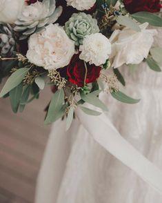 謝謝客人回相🙌🏻好靚😍 📸: @moonbirdproduction . Succulent Bouquet🌷 多肉植物花球💁🏻 每個花球都是度身訂做,歡迎查詢🌷 . Shop online 👉🏻www.greeneggstore.co (link in bio) . . #weddingflowers #weddinggift #tailormade #succulent #cactus #green #plant #planting #婚禮 #多肉植物 #サボテン #多肉ちゃん #婚禮襟花 #concrete #襟花 #bouquetofflowers #greeneggstore #diy #flowercrown #bouquet #bouquets #bridaltobe #bridalbouquet #bridalshower #corsage #boutonniere #bigday #prewedding #wedding Concrete Design, Green Eggs, Succulents, Table Decorations, Home Decor, Decoration Home, Room Decor, Succulent Plants, Home Interior Design