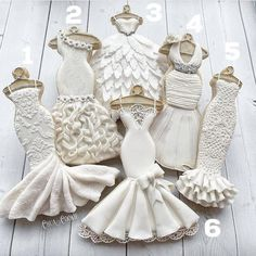 Bridal dress inspired cookies for your dessert table. Fondant Cookies, Royal Icing Cookies, Cupcake Cookies, Cookie Favors, Fancy Cookies, Iced Cookies, Sugar Cookies, Wedding Dress Cookies, Decorated Wedding Cookies