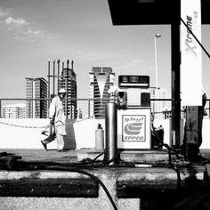 #dubai #UAE #skyline #living #space #architektur #architecture #architecturelover #architecturedesign #style #decoration #interior #instadesign #design #interiordesign #cool #archilovers #architecturephotography #travel #blackandwhite #Photograph #street #streetart #art fuelup