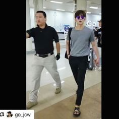 2016.06.05 Ji Chang Wook arrived in korea .  #Repost @go_jcw with @repostapp ・・・ 공항런웨이💕 . .  #지창욱 #jichangwook #池昌旭 #チチャンウク #김포공항 #입국