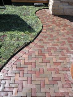 Eco-Friendly Composite Pavers Made From Recycled Tires and Plastic Containers - The Fun Times Guide to Living Green Grass Pavers, Concrete Pavers, Driveway Pavers, Outdoor Pavers, Brick Walkway, Walkway Ideas, Backyard Patio, Backyard Landscaping, Patio Design