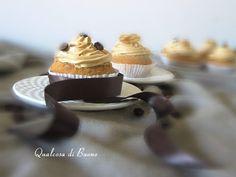 qualcosa di buono: Cupcakes al caffè e noci con crema al burro