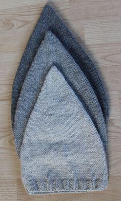 Strikkede nissehuer | Maskefabrikken Knitting For Kids, Baby Knitting Patterns, Baby Patterns, Knitting Projects, Knit Crochet, Crochet Hats, Crochet Circles, Crochet Baby Clothes, Christmas Knitting