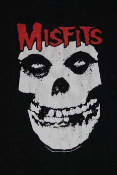 Misfits shirt American punk rock band shirt Horror Punk Hardcore punk Heavy metal Punk rock Men's size M Heavy Metal Art, Heavy Metal Bands, Rock Band Logos, Rock Bands, Arte Punk, Hardcore, Punk Rock Fashion, Thrash Metal, Rpg