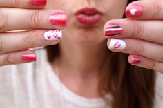 nail art kisses