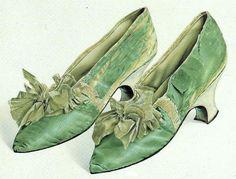 18701b8f1f3 Georgian Period Huguenot Spitalfields made silk shoes 18th Century Clothing