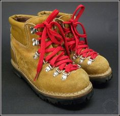 1980's Vintage COLORADO Leather Hiking Boots with VIBRAM Soles & Red Laces Sz 7 #Colorado