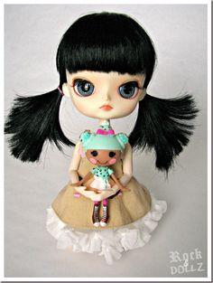 My Dal Sooni with Minty Choco Chip (Mini Lalaloopsy Waffle Cone) ~ from my blog http://rock-n-dollz.blogspot.com.es/2013/01/mis-regalitos-de-reyes-y-una-mini.html #doll #lalaloopsy #minilalaloopsy #sweet #icecream #cute #toy #ragdoll #dal #pullip