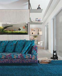 casa-claudia-dezembro-aquario-sofa-estampa-floral-decoracao