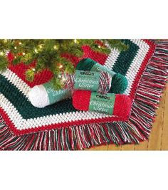 Christmas Glitter Tree Skirt free crochet pattern