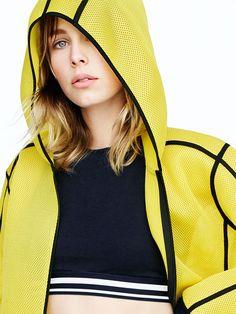 91f057f36d80 392 meilleures images du tableau sportwear   Sporty Fashion, Fitness ...