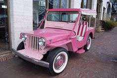1964 Willys Jeep Surrey in the perfect pink/whte color Jeep Willys, Jeep Dodge, Beach Rides, Beach Cars, Jeep Pickup, Jeep Truck, Pink Trailer, Pink Wheels, Street Rods
