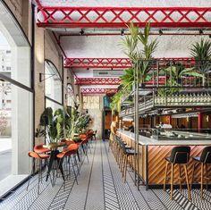 EL MAMA & LA PAPA Bar Restaurant,© Adrià Goula