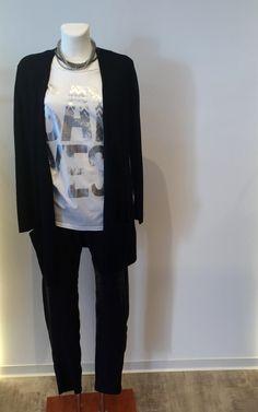 Jacke und Shirt von BLOOM