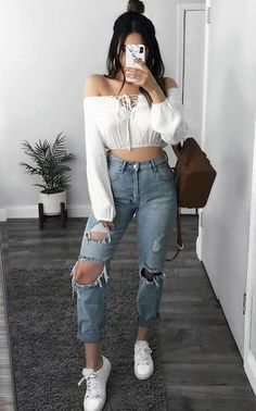 Sexy Look Fashion Style Outfit Teen Fashion Outfits, Denim Fashion, 90s Fashion, Girl Outfits, Celebrities Fashion, Fashion Styles, Runway Fashion, Fashion Trends, Ladies Fashion