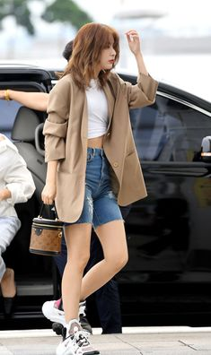 Korean Fashion Tips 190902 Red Velvet Seulgi Fashion - Inchoen Fashion Tips 190902 Red Velvet Seulgi Fashion - Inchoen Kpop Fashion, 70s Fashion, Fashion Looks, Fashion Outfits, Fashion Tips, Korean Airport Fashion, Korean Fashion, Ulzzang, Wendy Red Velvet