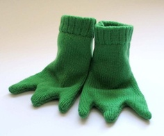 Handmade knitted Frog's Feet: 100% lambswool to fit sizes 3 - 9 mos!  $25.