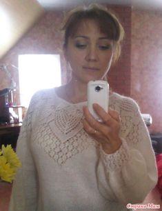 Кофточка с ажурной круглой кокеткой связана по мотивам известной многим ажурной блузы из мохера, размещенной на сайте domosed-ka.ru/