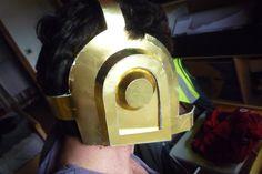 https://www.facebook.com/HeroCollection.. la página de facebook de este buen hombre creador de cascos. La foto soy yo.