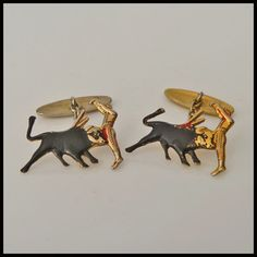 "DAMASCENE Exquisite Vintage Pair Gold-Inlaid Cufflinks ""BULLFIGHTER & BULL"""