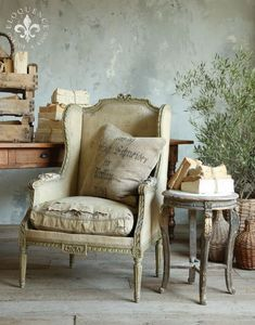 Make your own style statement with vintage furniture The term 'Vintage Furniture' should not be confused with antique furniture. The term vintage basically refers to a particular period, so vintage furniture refers to a time period when this particular Antique Chairs, Vintage Chairs, Vintage Decor, French Furniture, Antique Furniture, Home Furniture, Modern Furniture, Rustic Furniture, Outdoor Furniture