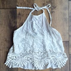 Boho chic halter Adorable halter with embroidered detail beautiful condition (ivory) Kimchi Blue Tops