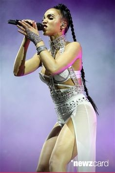 FKA Twigs performs at the 2015 Coachella Music and Arts Festival on Saturday, April 18, 2015, in Indio, Calif. (Photo by Rich Fury/Invision/AP)