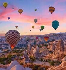 cappadocia Waking up at the crack of dawn is worth it for this view Have you ever been in a hot air balloon Edited with my app izkizcam Ballons Fotografie, Turkey Destinations, Photographie Portrait Inspiration, Balloons Photography, Capadocia, Air Ballon, Air Balloon Rides, Travel Aesthetic, Nature Photos